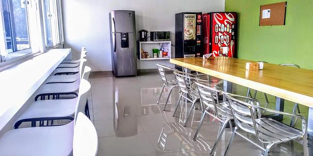 work-canteen-5985662_640